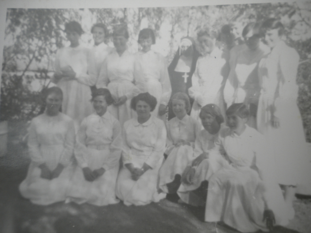 St Peter\'s Confirmation (1957?) Sally Cathie\'s pic